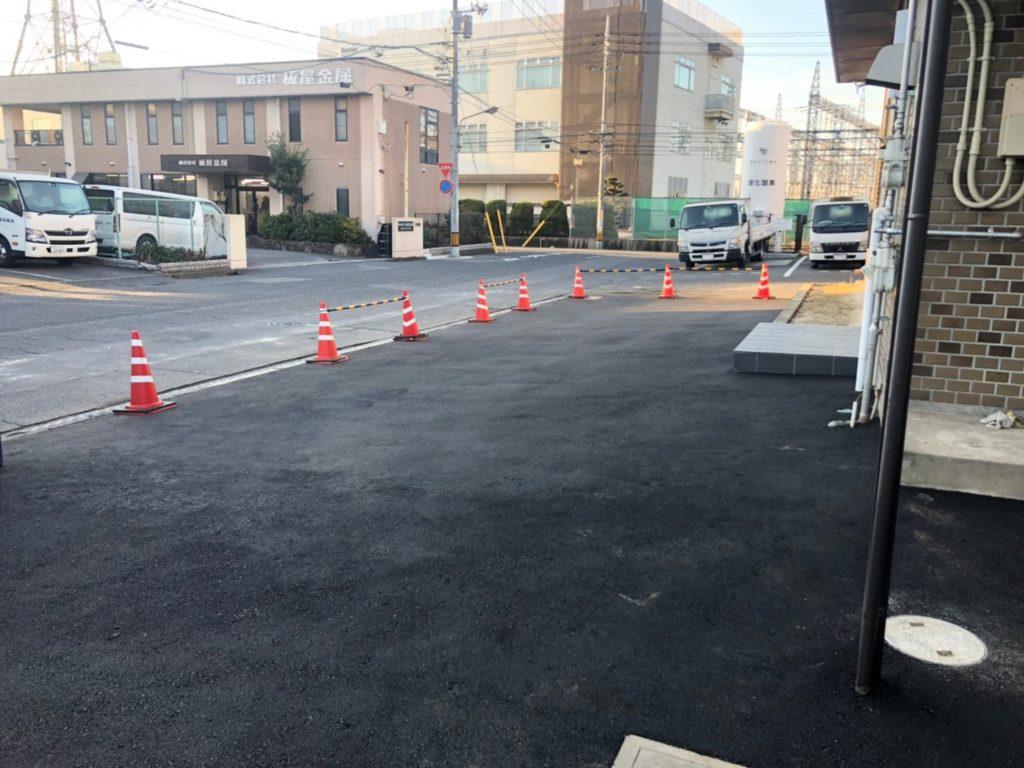 アスファルト駐車場の工事例