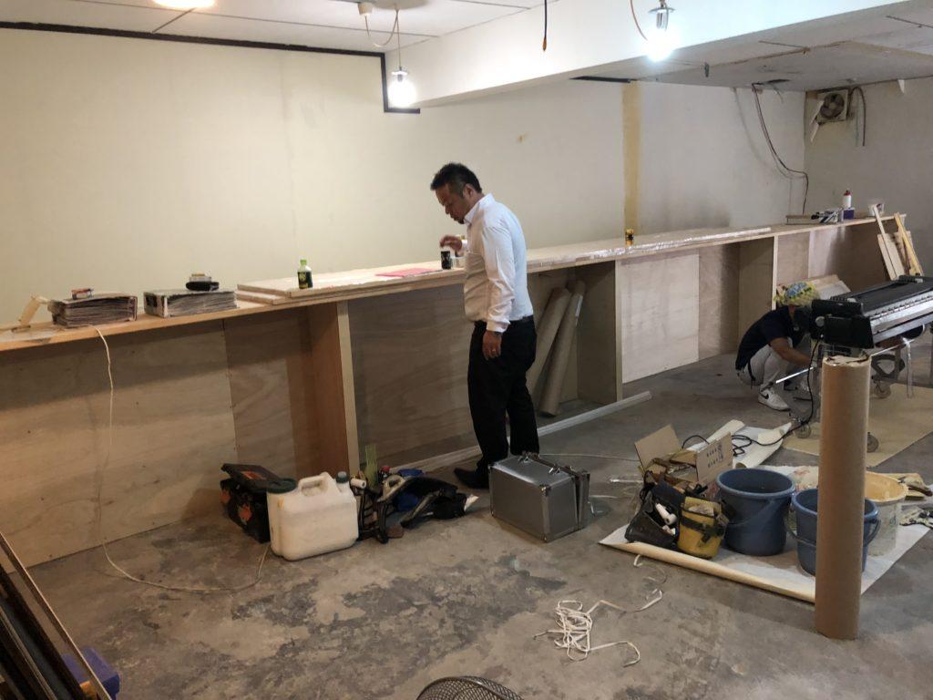 岡山でバーカウンター造作